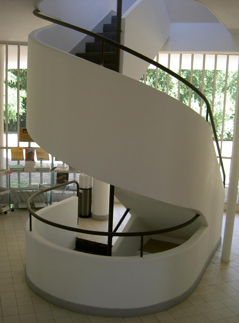 Le corbusier villa savoye poissy 1929 for Piani quadrati a chiocciola